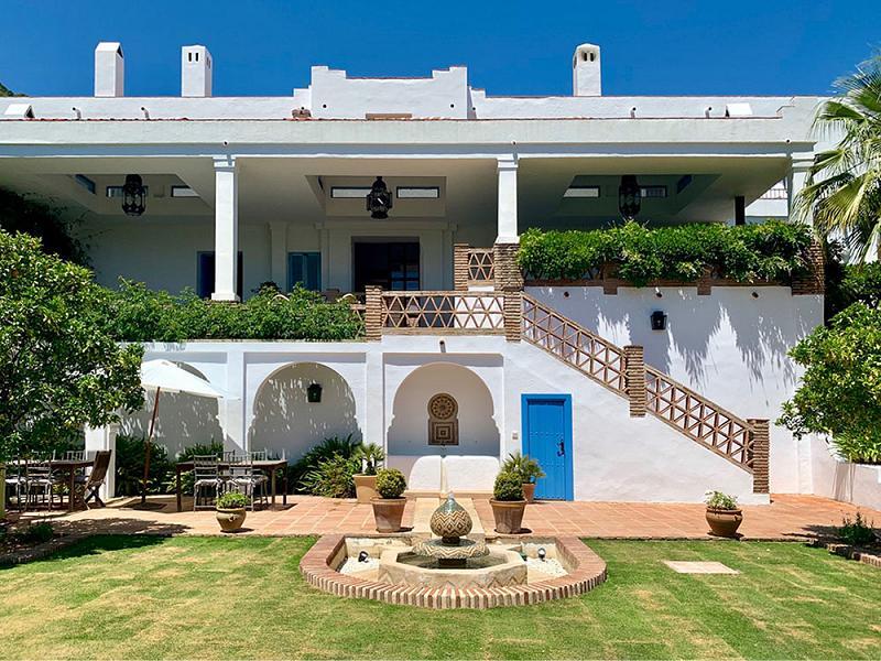 About Finca Avedin Andalucia