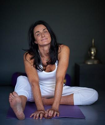 Lara Online Yoga